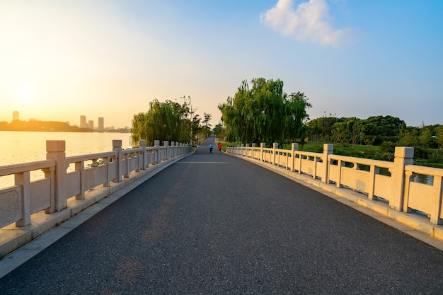 The stone arch bridge in the park is in nanjing xuanwu lake park, china