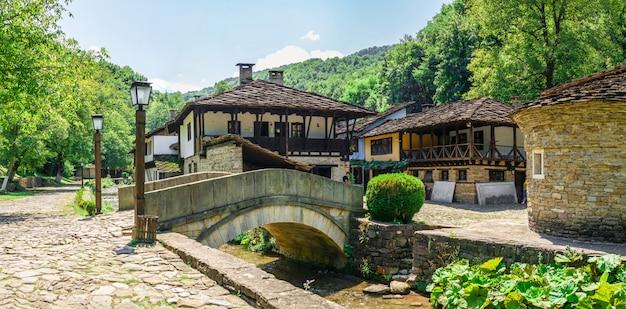 Каменный мост в комплексе этар, болгария