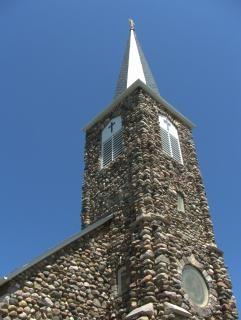 石造りの教会、宗教