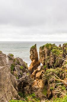 스톤 자이언츠 팬케이크 록스 파파 로아 국립 공원 뉴질랜드 남섬