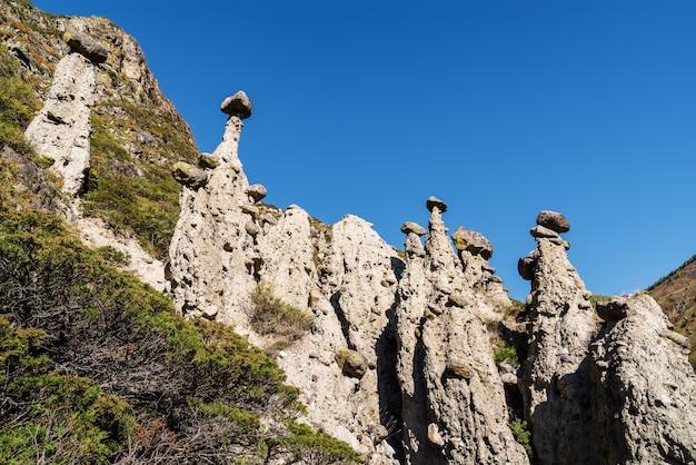 돌 버섯 바람 침식 바위. 러시아, 알타이, chulyshman 계곡, akkurum 지역