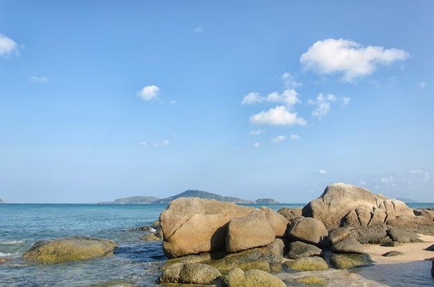 Stone, sea