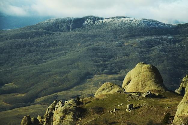 クリミア山の石像