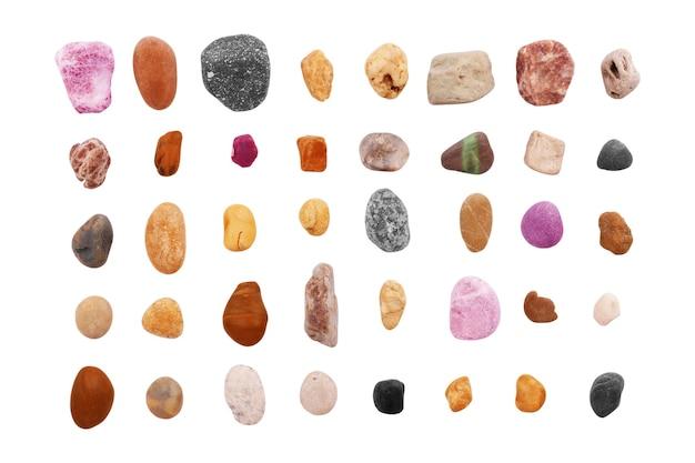 흰색 배경에 고립 된 돌입니다. 부드러운 바다 바위 세트