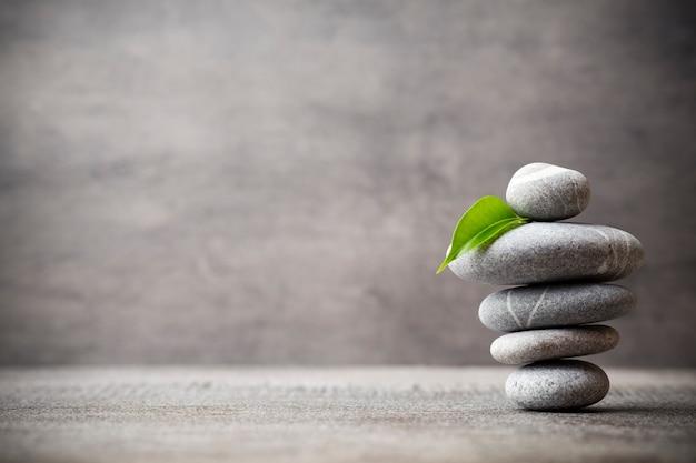 Сцена лечения камнями, дзен как концепции.