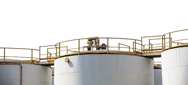Резервуар для хранения нефти с нпз, изолированные на белом