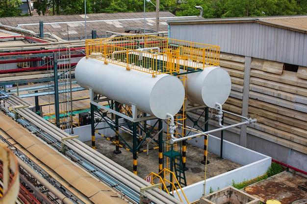 水平タンクとパイプラインに2つの燃料油を保管します。