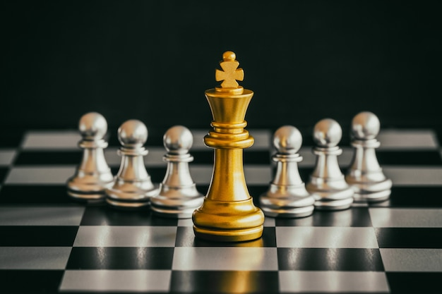 Strategy chess battleチェス盤のインテリジェンスチャレンジゲーム。