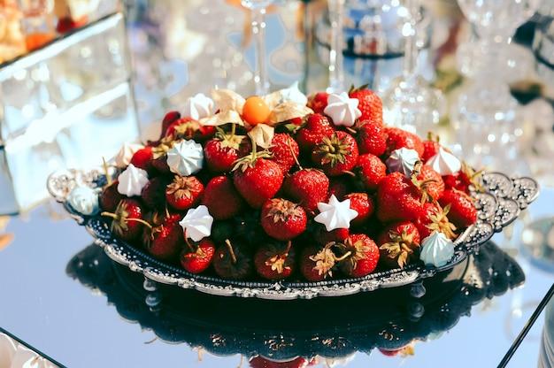 Strawberries on the exit wedding ceremony