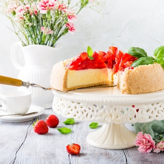 Strawberry cheesecake and flowers