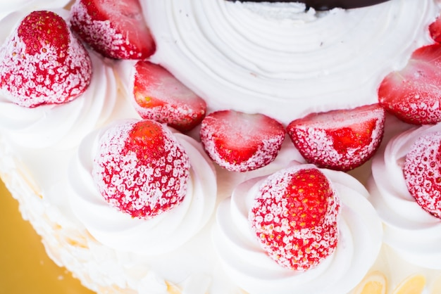 Strawberry ice-cream cake