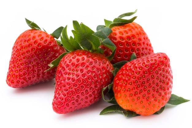 딸기 흰색 배경에 고립입니다. 신선한 베리.