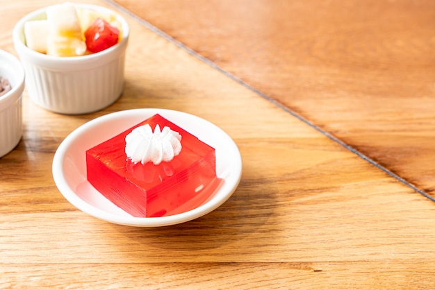 Strawberry jelly with white cream