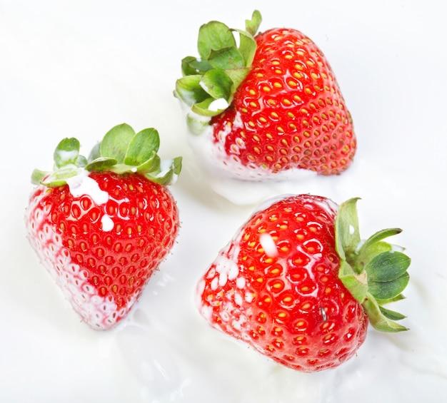 The strawberry in milk splashes...
