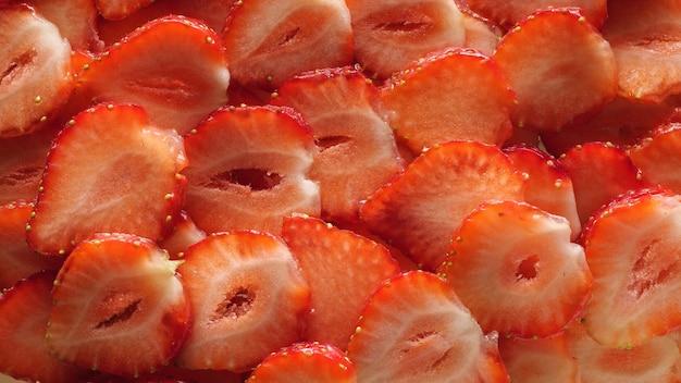 딸기 조각 평면도. 음식 배경.