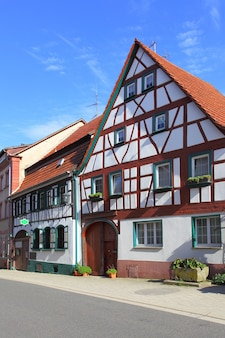 ドイツの通りと古い家