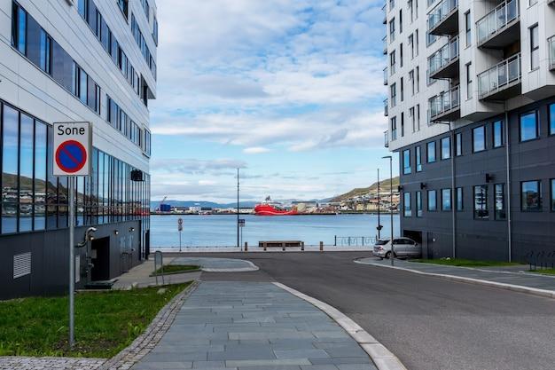 Hammerfest, kvaloya 섬, 노르웨이의 거리와 파노라마