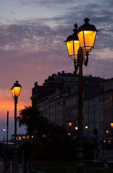 Уличный фонарь, триест