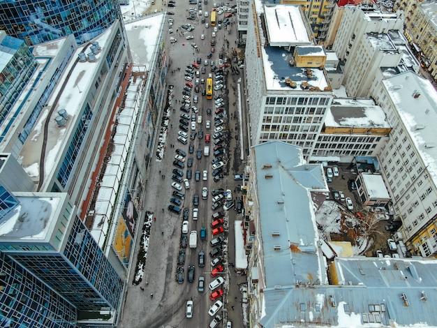 俯瞰から見た大都会の通り