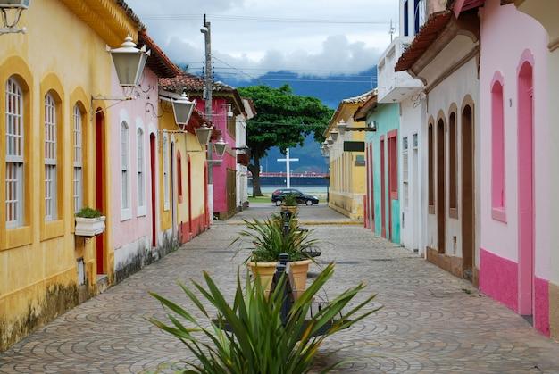 Sao sebastiao 시의 역사적 중심지의 거리