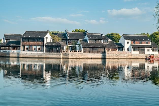 Просмотр улиц старых зданий в древнем городе сучжоу