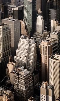 ニューヨークのマンハッタンの通りと屋根