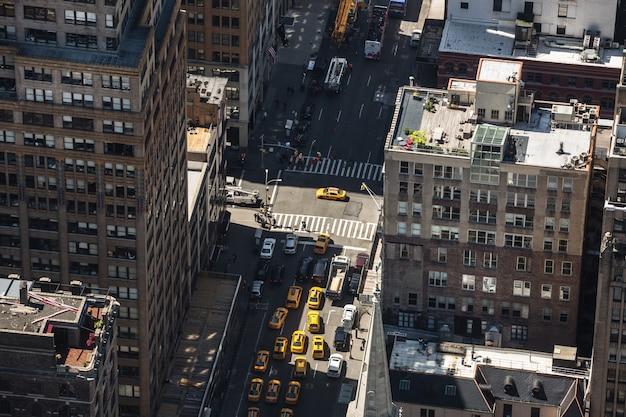 マンハッタンの街路と屋根