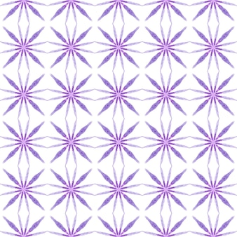 縞模様の手描きデザイン。紫の驚くべき自由奔放に生きるシックな夏のデザイン。ストライプの手描きの境界線を繰り返します。テキスタイル対応の想像力豊かなプリント、水着生地、壁紙、ラッピング。