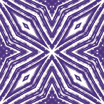 Полосатый узор рисованной. фиолетовый симметричный фон калейдоскопа. повторяя полосатый рисованной плитки. текстиль готовый необычный принт, ткань купальников, обои, упаковка.