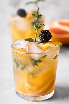 Bevanda alcolica forte al limone