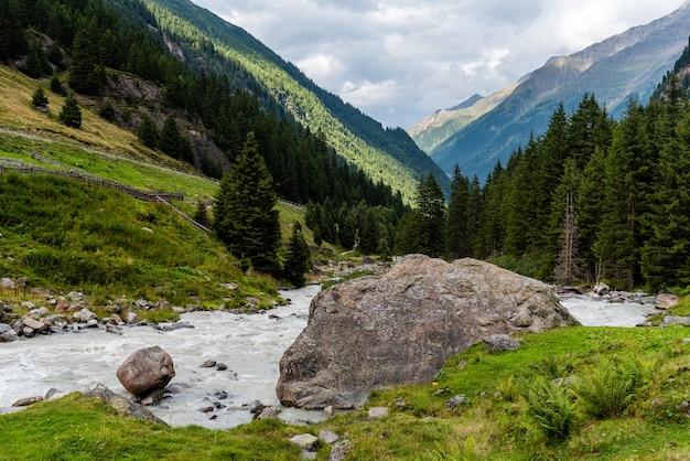 Valle dello stubaital, tirolo, austria