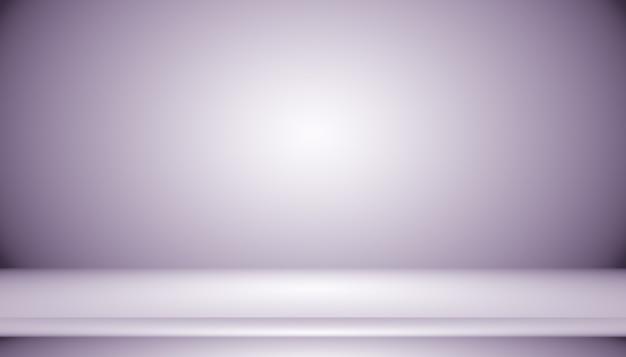 Концепция фона студии - темный градиентный фиолетовый фон комнаты студии для продукта.
