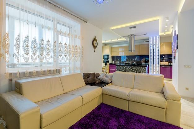 스튜디오 주방, 다양한 색상, 현대적인 스타일
