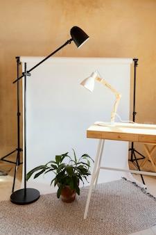 写真撮影のための小道具を備えたスタジオ