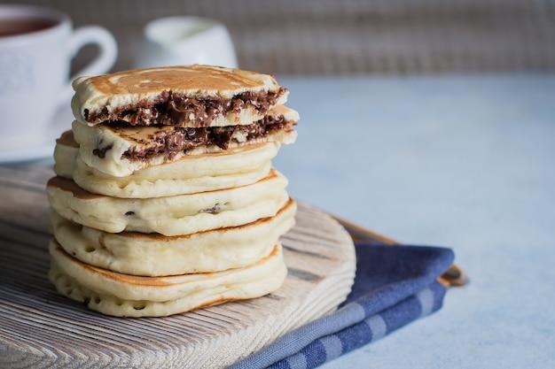 Stuffed chocolate pancakes