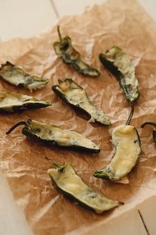 唐辛子の詰め物。伝統的なスペインのタパス