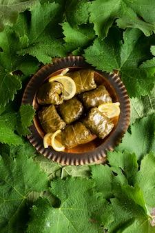 ぶどうの葉の詰め物、ヘルシーな自家製料理