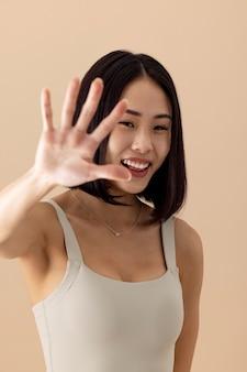 Потрясающий портрет модели азиатской женщины