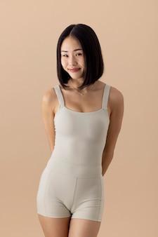 멋진 아시아 여자 초상화