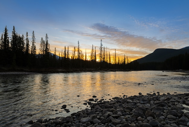 Stunning sunrise scenery of bow river at banff national park in alberta, canada