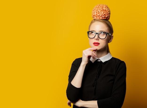 Женщина стиля с человеческим мозгом