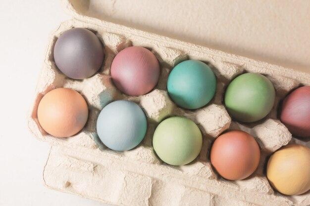 Стильный фон из пасхальных яиц, ручная роспись