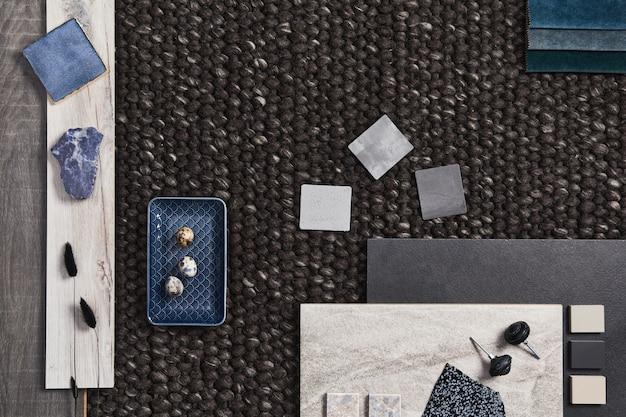 건물, 갈색 직물, 천연 재료 및 개인 액세서리 샘플이 있는 건축가 무드보드의 세련된 평면 구성. 상위 뷰, 템플릿입니다.
