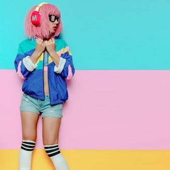 스타일리시 걸 디제이. 음악적 진동. 클럽 활동 최소한의 팝 아트
