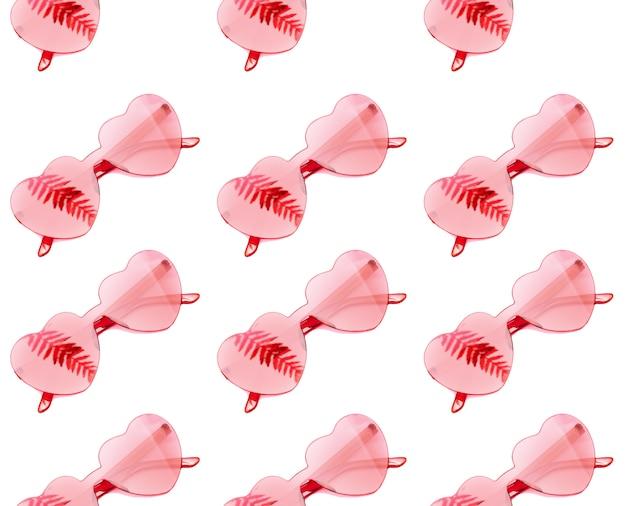 Стильные очки в форме сердца бесшовные модели с тенью от пальмовых листьев на белом