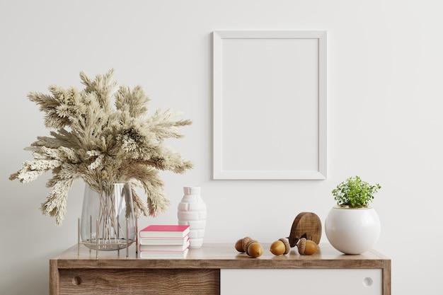 나무 캐비닛에 프레임 포스터가있는 거실의 세련된 인테리어 디자인