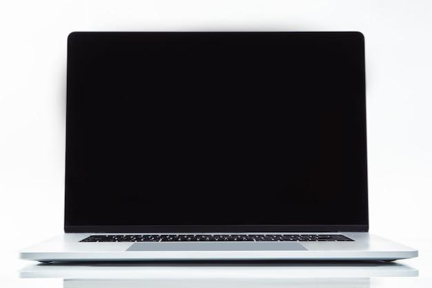 Стильный ноутбук на белом