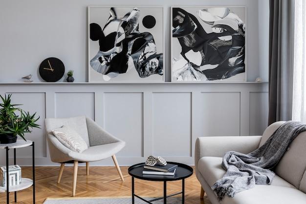 그림과 우아한 개인 액세서리를 조롱하는 디자인 안락 의자가 있는 세련된 거실 템플릿