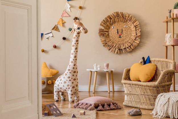 가구 장난감과 액세서리가 있는 어린이 방의 세련된 스칸디나비아 인테리어 템플릿