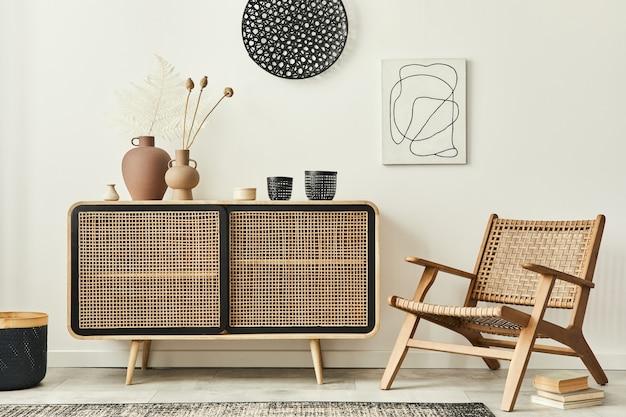 木製のcommode、デザインのアームチェア、カーペット、ドライフラワー、ユニークな家の装飾のパーソナルアクセサリーを備えたモダンなアパートメントのスタイリッシュなスカンジナビアのリビングルームのインテリア。レンプレート。